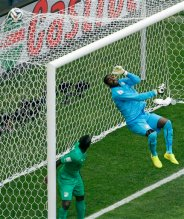 Ivory Coast's goalkeeper Boubacar Barry fails to stop a goal by Colombia's James Rodriguez during the group C World Cup soccer match between Colombia and Ivory Coast at the Estadio Nacional in Brasilia, Brazil, Thursday, June 19, 2014. (AP Photo/Themba Hadebe)